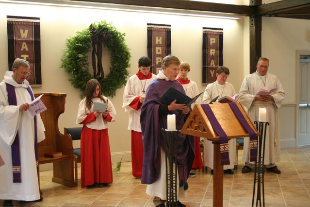Seasons of the Christian Year (here Advent) are observed in worship.